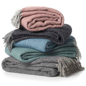 THROWS, BLANKETS & BEDSPREADS