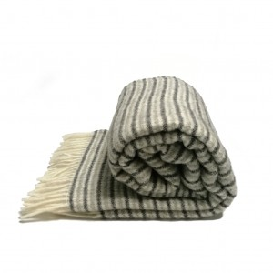 wool-throw-stripes