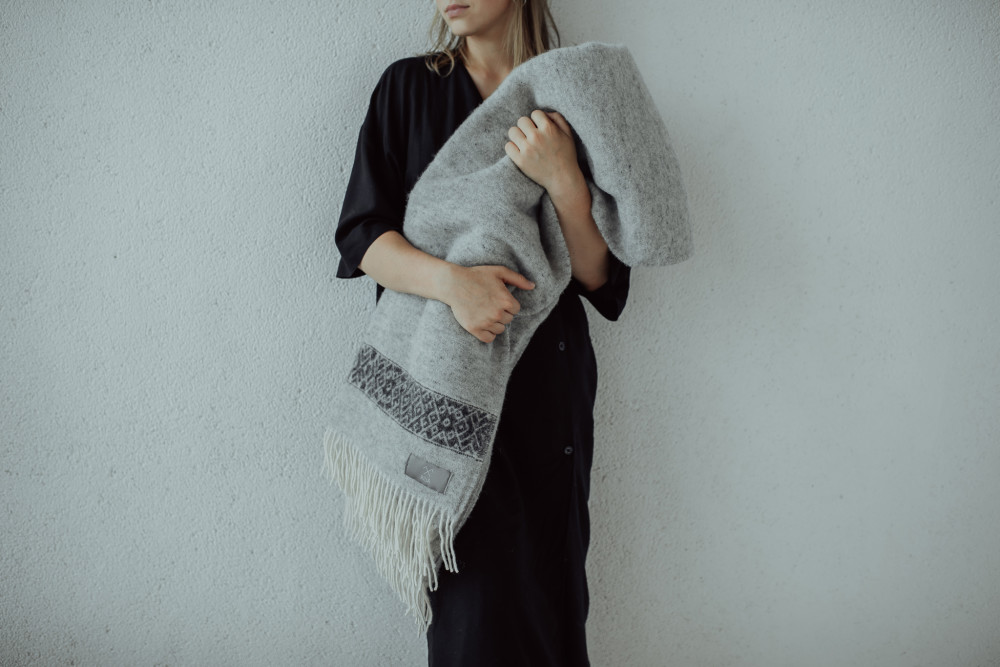 wool-throw-riija