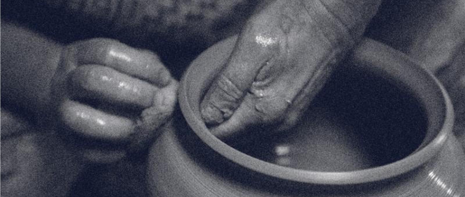 RIIJA-hands1
